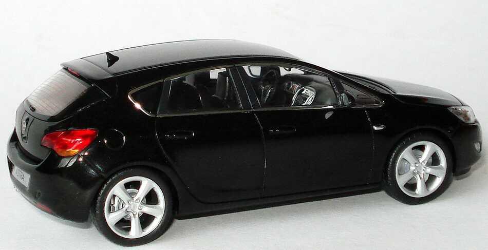 J And M Auto >> Opel Astra J 5-türig saphirschwarz-met. Werbemodell ...