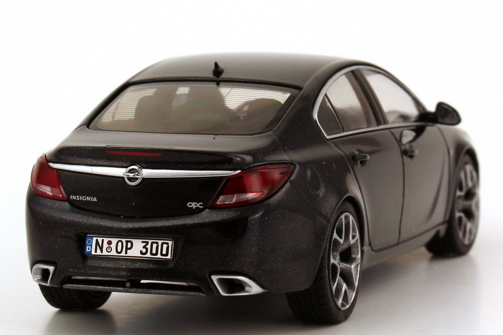 opel insignia opc limousine schwarz met schuco 07421 bild 5. Black Bedroom Furniture Sets. Home Design Ideas