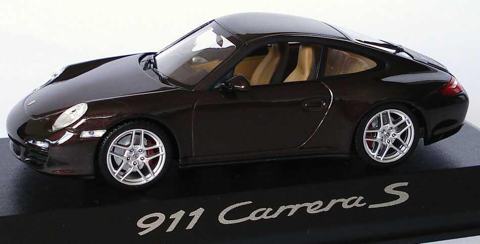 Foto 1:43 Porsche 911 Carrera S (997, Modell 2009) macadamia-met. Werbemodell Minichamps WAP02001318