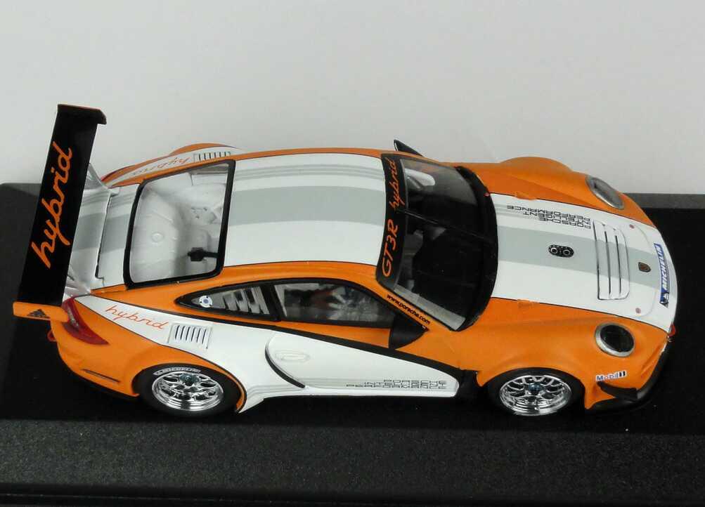 Foto 1:43 Porsche 911 GT3 R Hybrid (997) weiß/orange 2010 Werbemodell Minichamps WAP0201170B