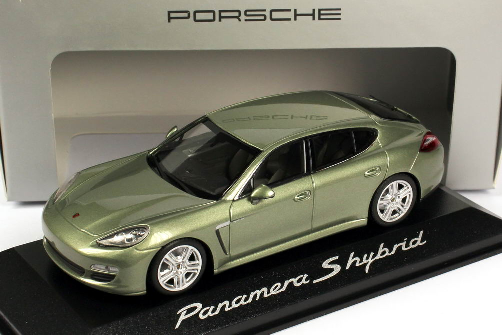 1:43 Porsche Panamera S Hybrid kristall-grün-met. (Porsche)