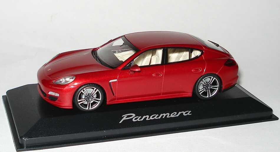 1:43 Porsche Panamera rubinrotmet. (Porsche)