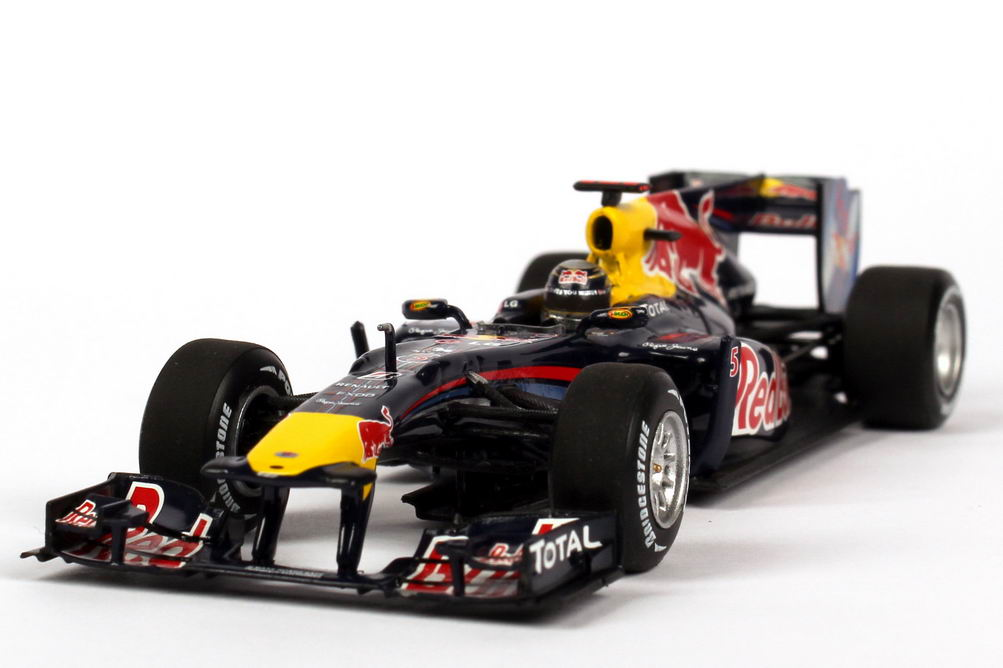 1 43 red bull racing renault rb6 formel 1 2010 nr 5. Black Bedroom Furniture Sets. Home Design Ideas