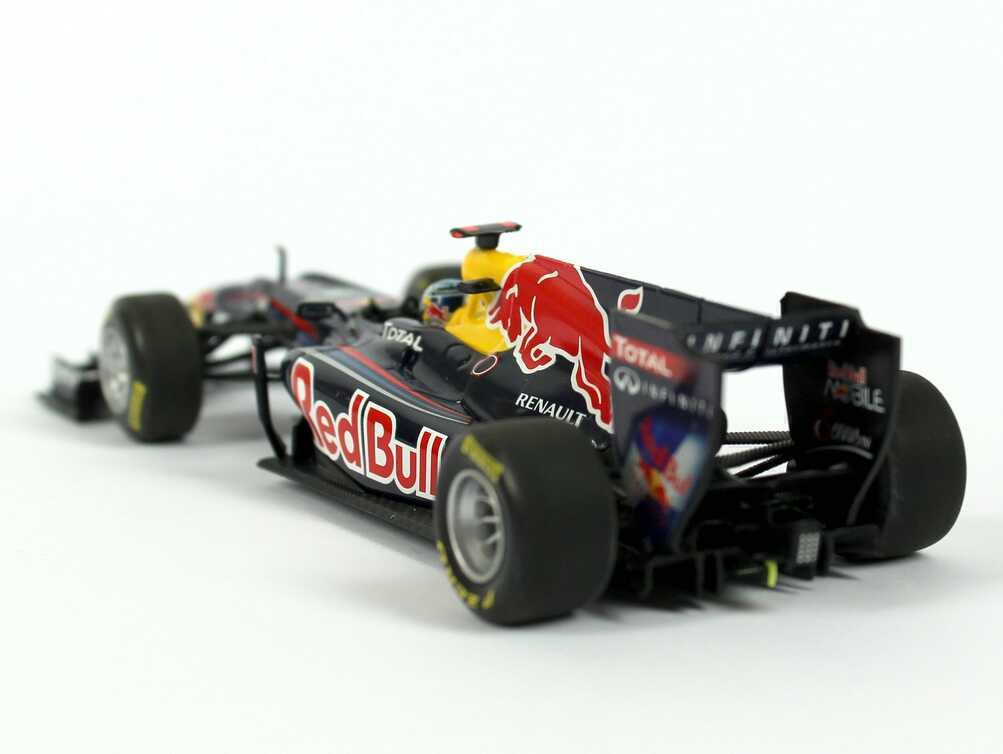 1 43 red bull racing renault rb7 showcar formel 1 2011 nr. Black Bedroom Furniture Sets. Home Design Ideas