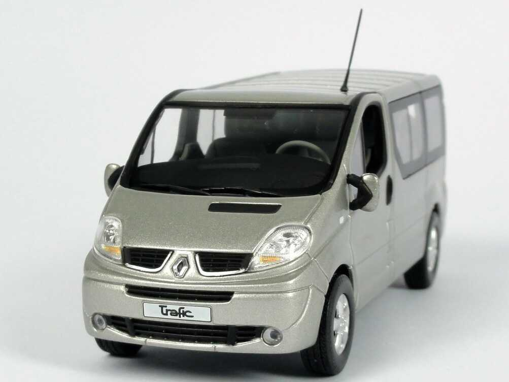 renault trafic ii kombi silber met rietze 518049 bild 2. Black Bedroom Furniture Sets. Home Design Ideas