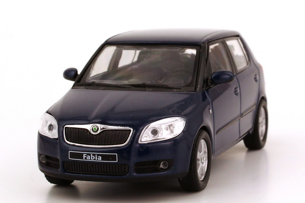 skoda fabia ii limousine 2007 storm blue met werbemodell abrex 143ab008kc bild 3. Black Bedroom Furniture Sets. Home Design Ideas
