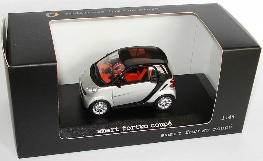 1:43 Smart Fortwo II Coupé (C451) silbermet. (Smart)