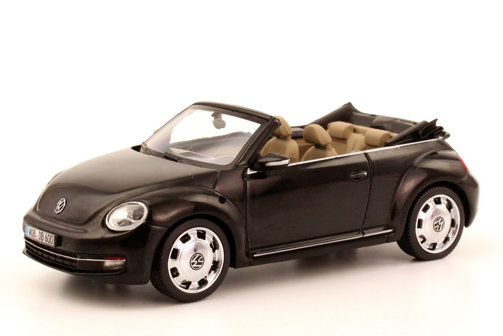 1 43 vw beetle cabrio cabriolet 2013 deep black schwarz volkswagen dealer oem ebay. Black Bedroom Furniture Sets. Home Design Ideas