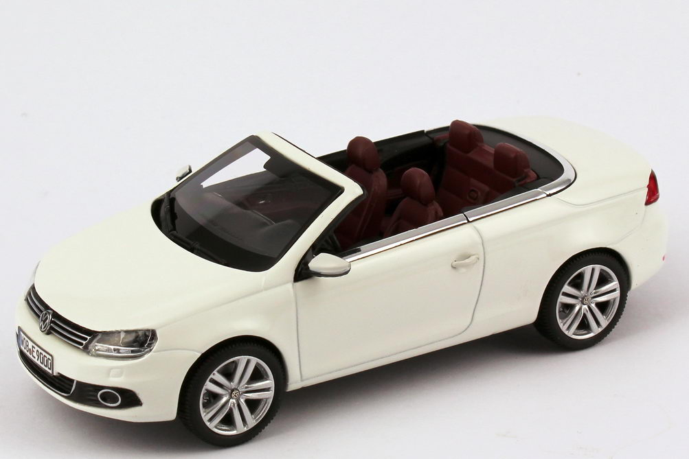 vw eos ii 2011 candy wei werbemodell kyosho 1q1099300b9a. Black Bedroom Furniture Sets. Home Design Ideas