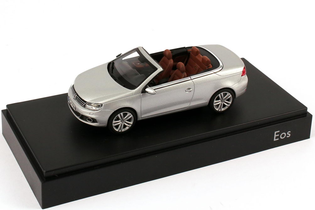 1 43 vw eos ii 2 2011 reflex silber silver volkswagen dealer edition kyosho ebay. Black Bedroom Furniture Sets. Home Design Ideas