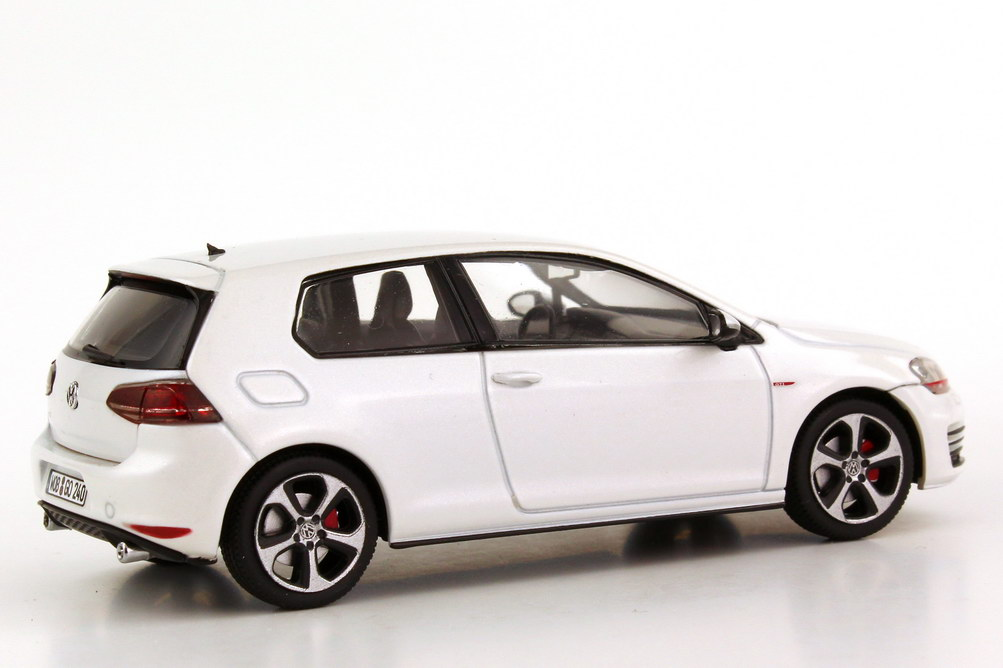 vw golf vii gti 2013 2t rig oryx wei perleffekt werbemodell herpa 5g3099300aujv bild 6. Black Bedroom Furniture Sets. Home Design Ideas
