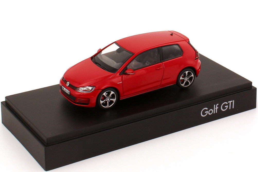 1 43 vw golf vii gti 2013 2t rig tornado rot werbemodell. Black Bedroom Furniture Sets. Home Design Ideas