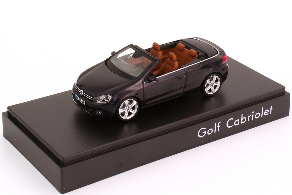 1:43 VW Golf VI Cabrio dark-purple-met. (VW)