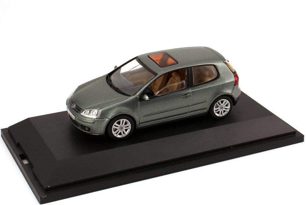 1:43 VW Golf V 2türig fresco-grün-met. (VW)