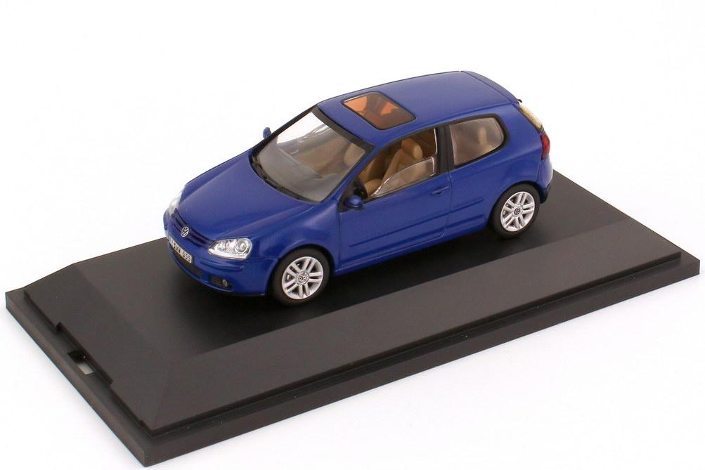 1:43 VW Golf V 2türig laser-blue-met. (VW)