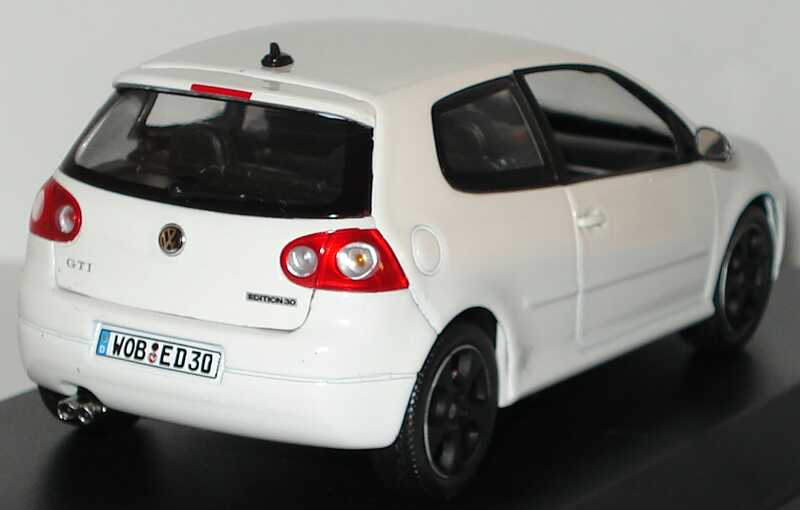 vw golf v gti edition 30 wei werbemodell norev 1k0099300cb9a bild 4. Black Bedroom Furniture Sets. Home Design Ideas