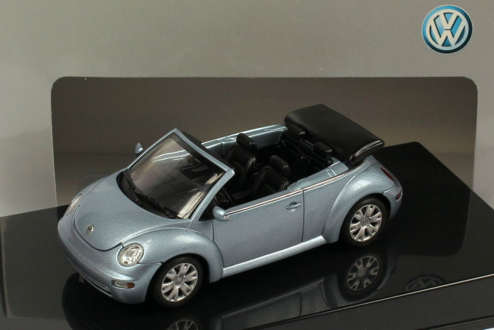 1:43 VW New Beetle Cabrio crystall-blau-met. (VW)