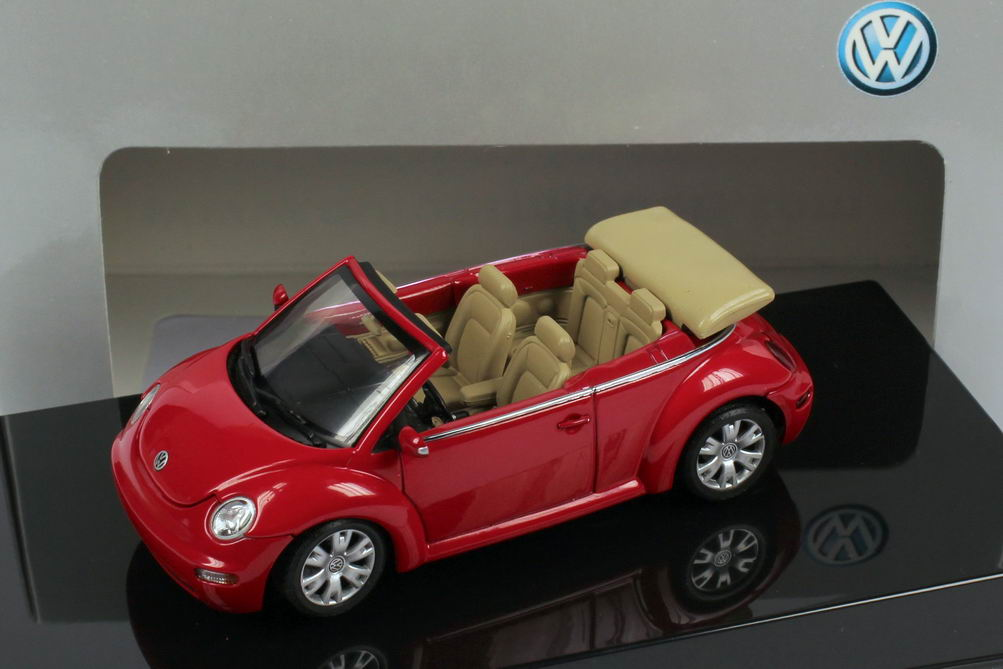 1:43 VW New Beetle Cabrio rot (VW)