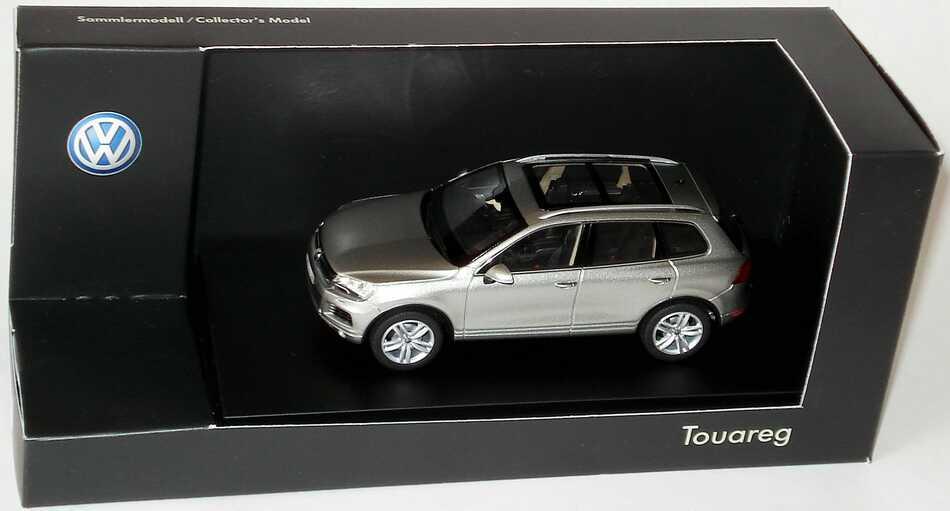 1:43 VW Touareg II 2010 tungsten-silvermet. (VW)