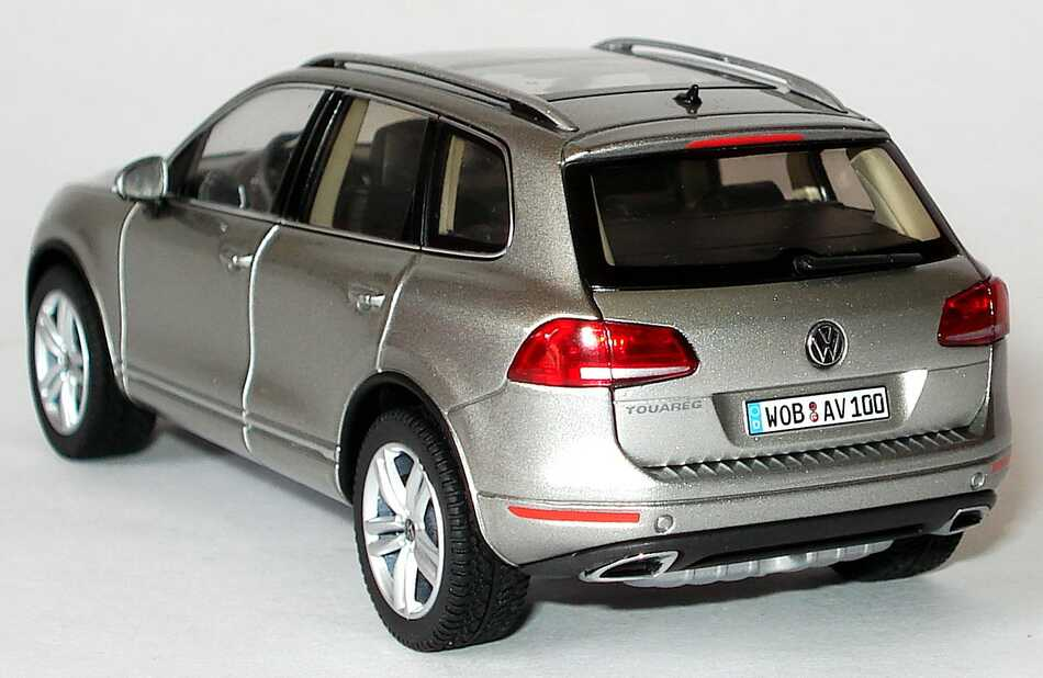 vw touareg ii 2010 tungsten silver met volkswagen bank. Black Bedroom Furniture Sets. Home Design Ideas