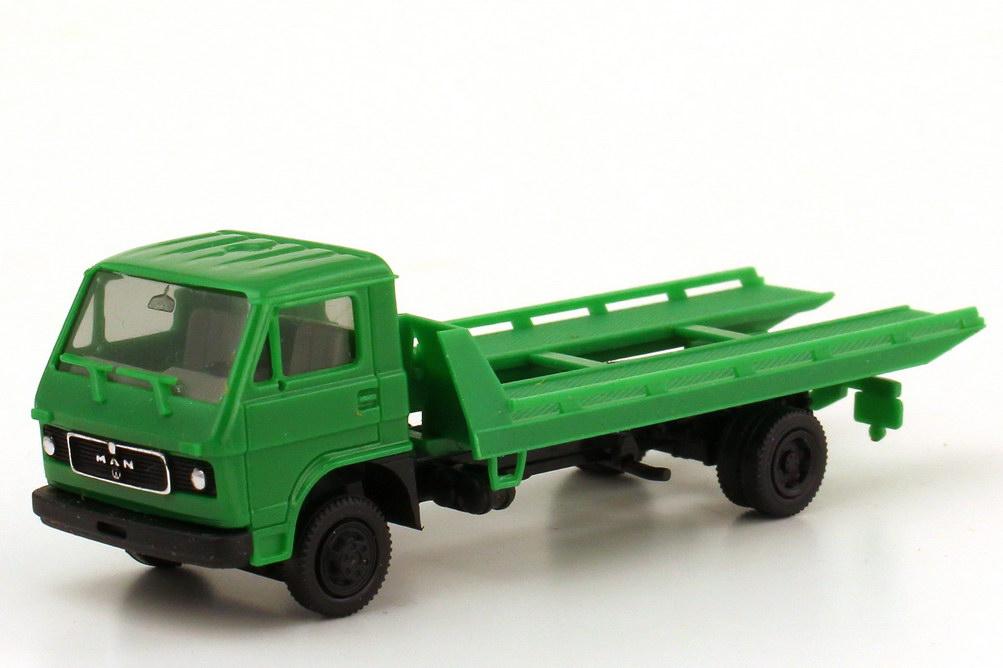 1:87 MAN-VW 2a Abschlepp-LKW grün