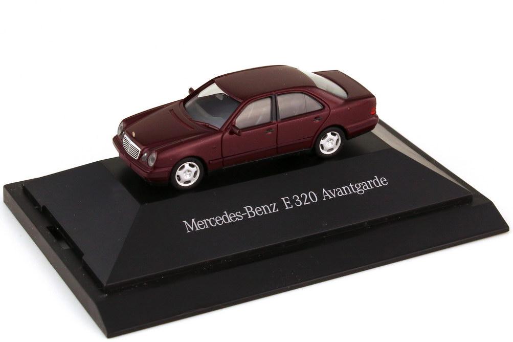 1:87 Mercedes-Benz E-Klasse E 320 Avantgarde (W210) rubinrot-met. (MB)