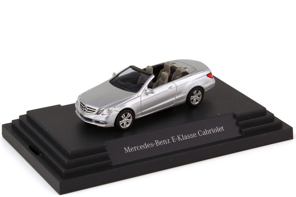 1:87 Mercedes-Benz E-Klasse Cabrio (A207) iridiumsilber-met. (MB)