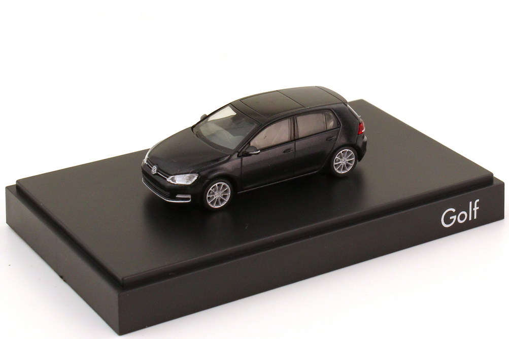 1:87 VW Golf VII 2012 4türig deep-black-met. (VW)