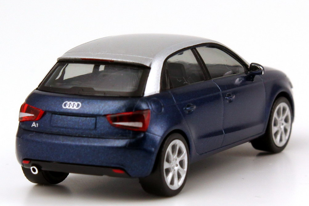 audi a1 sportback scuba blau met silber werbemodell. Black Bedroom Furniture Sets. Home Design Ideas