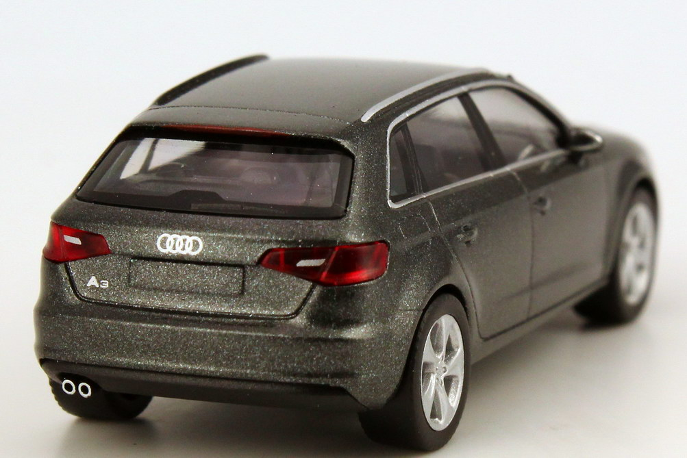 audi a3 sportback 8v 2013 daytona grau met werbemodell herpa 5011303022 bild 4. Black Bedroom Furniture Sets. Home Design Ideas