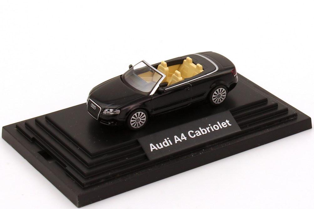 1:87 Audi A4 Cabrio 3.2 quattro (B7) 2005 phantomschwarz-met. (Audi)