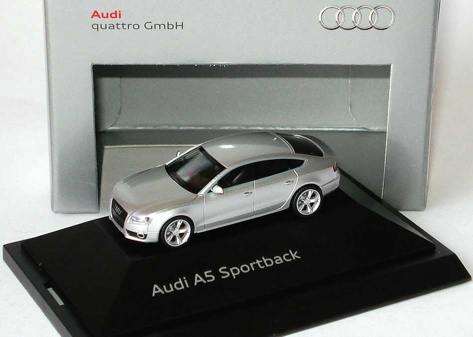 1:87 Audi A5 Sportback eissilbermet. (Audi)