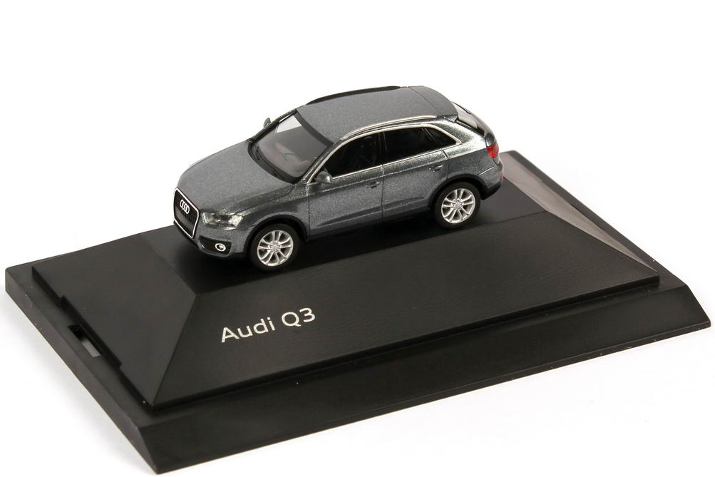 Foto 1:87 Audi Q3 8U monsungrau-met. - Werbemodell - herpa 5011103622