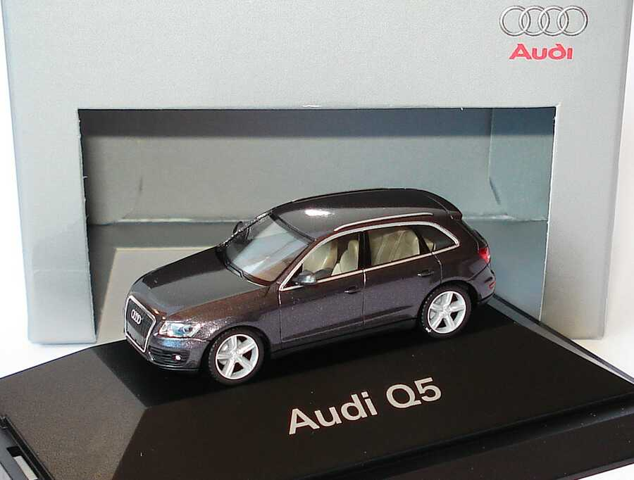 1 87 audi q5 amethystgrau met werbemodell herpa 5010805622. Black Bedroom Furniture Sets. Home Design Ideas