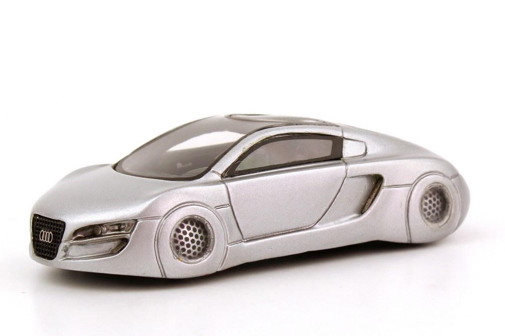 audi rsq silber met concept car film i robot 2004 jb. Black Bedroom Furniture Sets. Home Design Ideas
