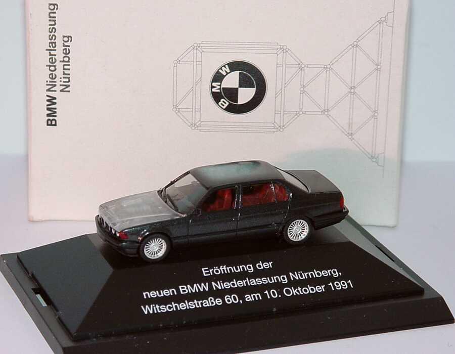 1 87 bmw 750il e32 anthrazit met mit transparenter motorhaube er ffnung der neuen bmw. Black Bedroom Furniture Sets. Home Design Ideas