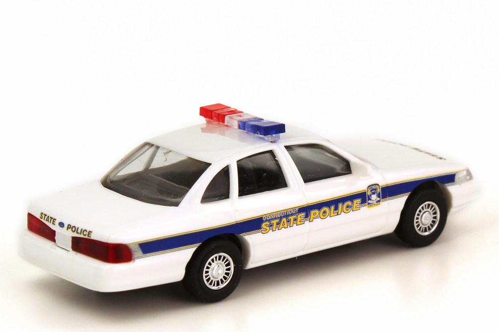 1999 ford crown victoria with 1zu87 Ford Crown Victoria 1996 Connecticut State Police Busch 49086 24907 Bild 2 on 10 besides 2010 Ford Focus Overview C21781 further 1 further Crook also Els 1990 Chevy Caprice 9c1 California Highway Patrol.