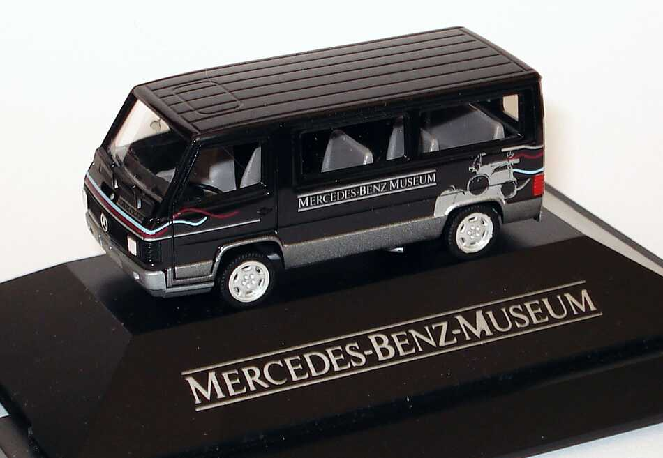 "1:87 Mercedes-Benz 100D Bus ""Mercedes-Benz Museum"" (MB)"