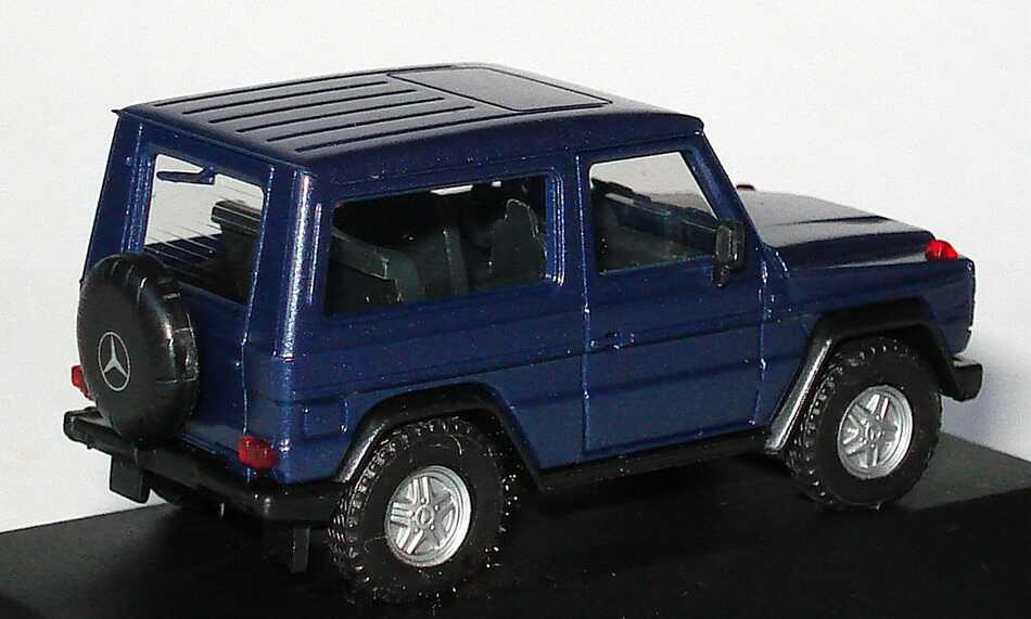 mercedes benz g modell 300ge w463 blau met werbemodell. Black Bedroom Furniture Sets. Home Design Ideas