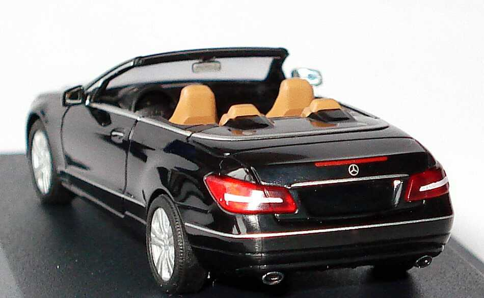 mercedes benz e klasse cabrio a207 schwarz werbemodell busch b66962426 bild 5. Black Bedroom Furniture Sets. Home Design Ideas