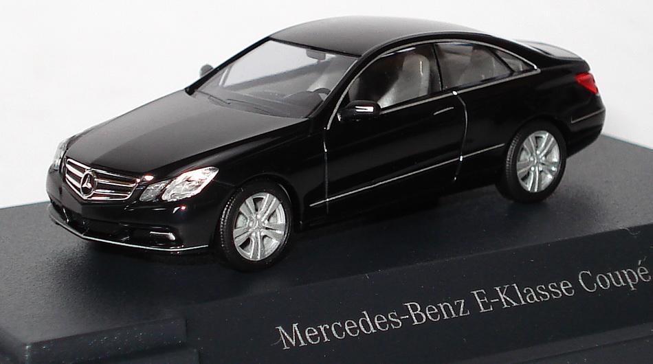 Modelauto   Mercedes Coupe E Klasse