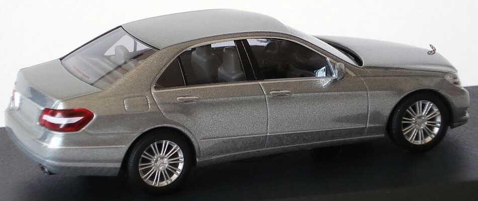Mercedes benz e klasse w212 elegance palladiumsilber met for Lb mercedes benz