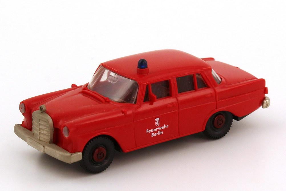 "1:87 Mercedes-Benz 190c (W110) ""Feuerwehr Berlin"""