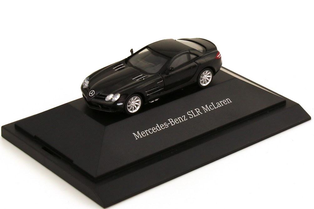 Foto 1:87 Mercedes-Benz SLR McLaren C199 crystal-galaxit-black - Werbemodell - herpa B66961353