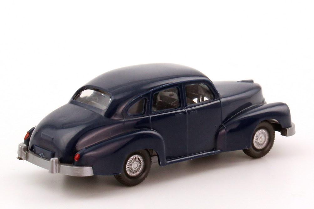 Foto 1:87 Opel Kapitän 1951 dunkel-blau, Rückleuchten bemalt Wiking 110
