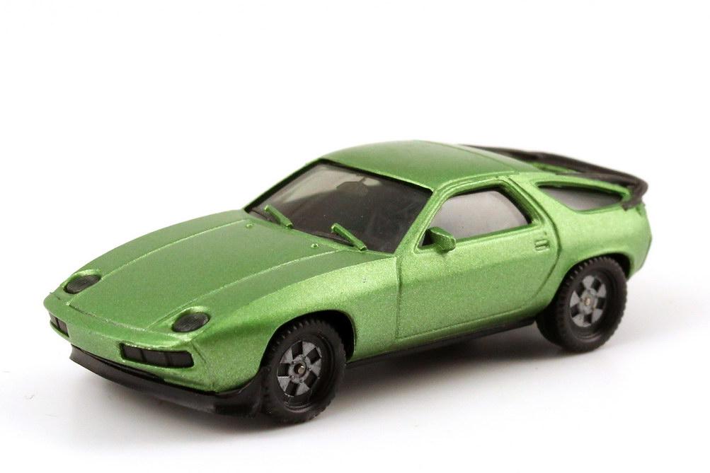1:87 Porsche 928S hellgrün-met., Räder einteilig (oV)