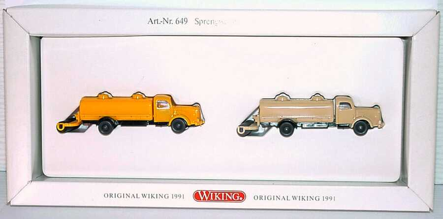 1:87 Sprengwagen mit Walze 1961 (2 Sprengwagen orange und beige)