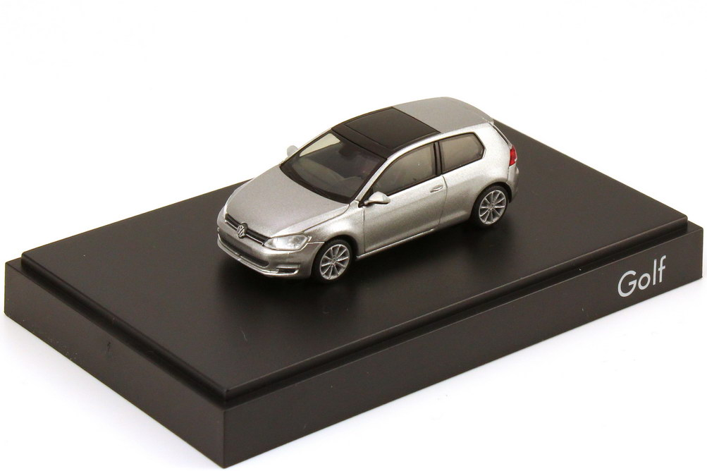 1:87 VW Golf VII 2012 2türig tungsten-silver-met. (VW)