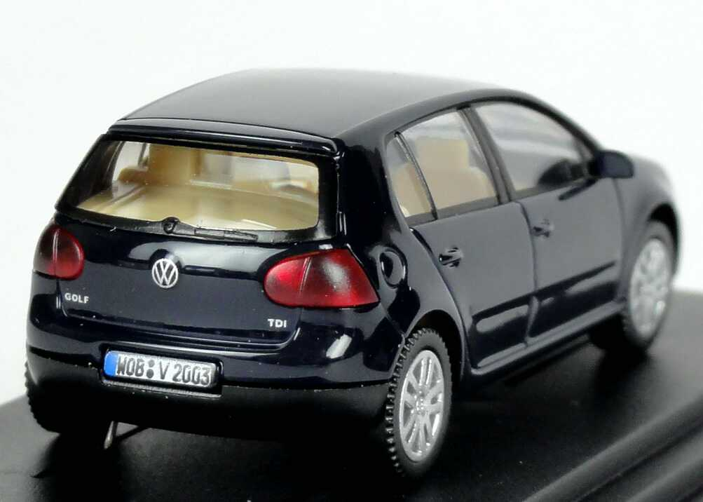 1 87 vw golf v tdi 4 door pearl blue special edition. Black Bedroom Furniture Sets. Home Design Ideas