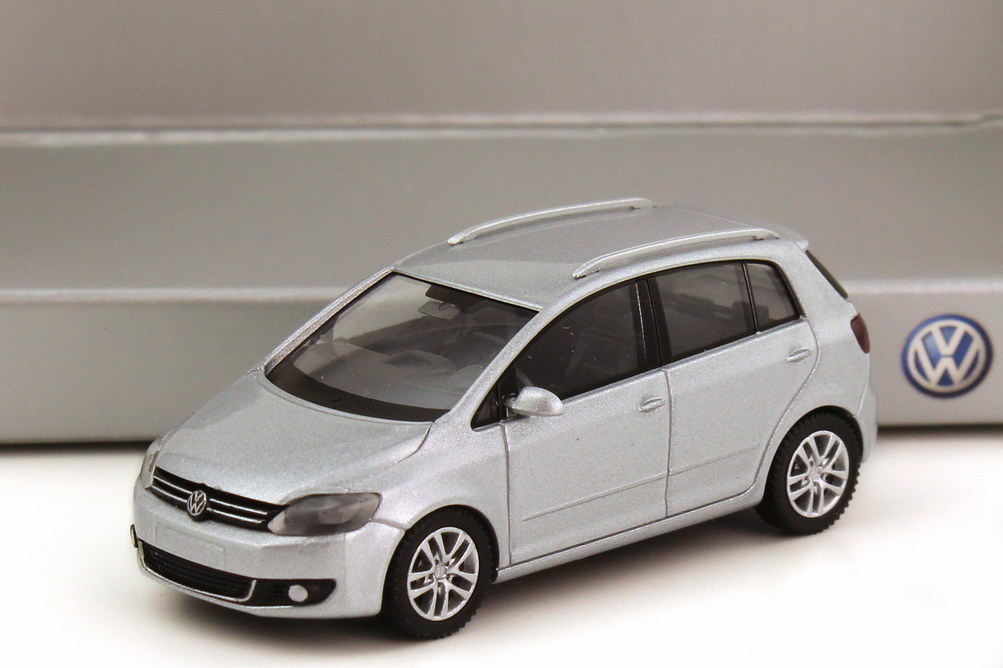 1 87 vw golf v plus facelift 2009 reflexsilber silber silver volkswagen dealer ebay. Black Bedroom Furniture Sets. Home Design Ideas